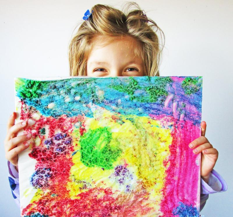 This finger paint is easier to make than it is to get in the car and drive to the craft store to buy it!  | DIY | YummyMummyClub.ca