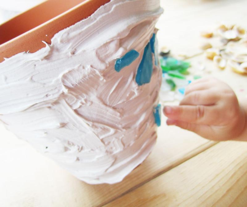 DIY Kid Craft: Spring Garden Mosaic Pots :: YummyMummyClub.ca