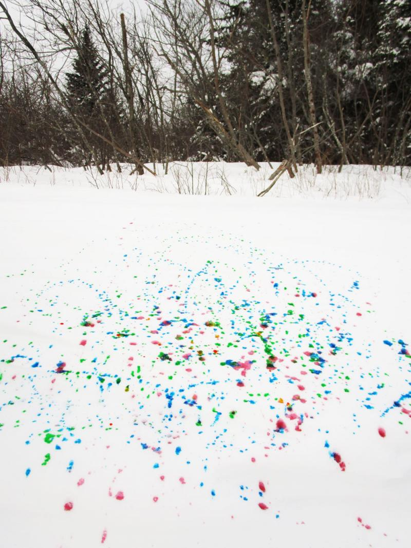 Abstract expressionism in the snow