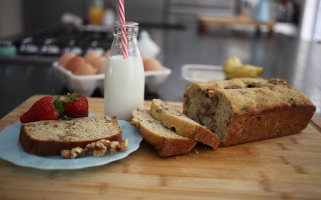 Banana Walnut Bread | YMCFood | YummyMummyClub.ca