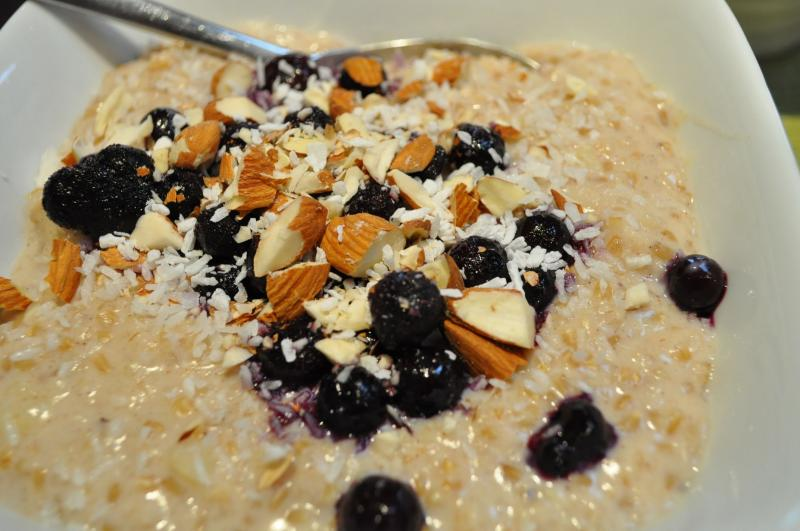 Hot or Cold: Banana Coconut Oatmeal & Blueberries