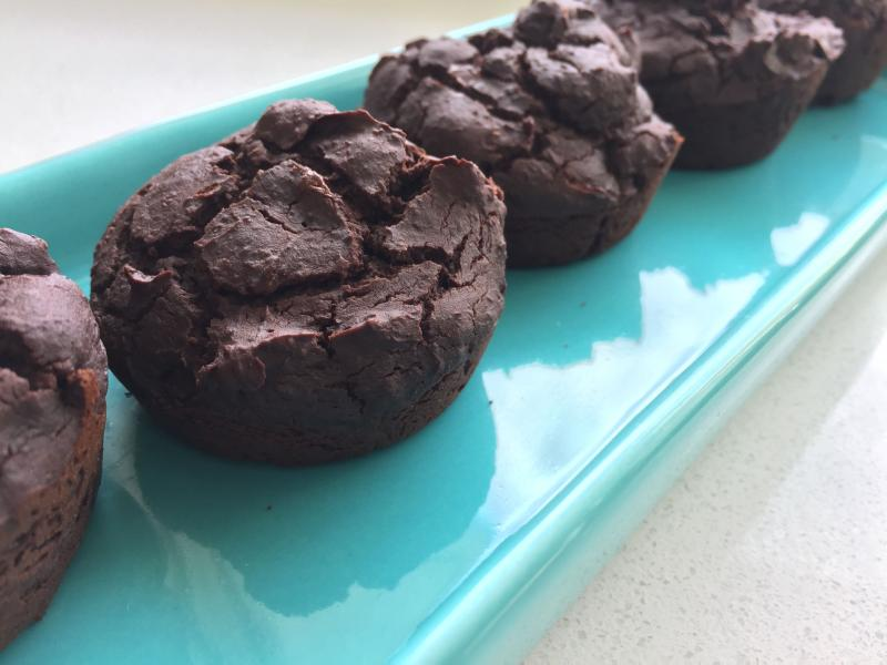 This brownie recipe is actually healthy and dietitian approved! No refined sugar, coconut oil, and a full can of lentils means that this dessert is high in fibre and healthy fats. | YMC | YummyMummyClub.ca